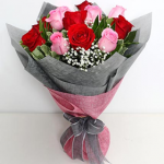 1 dozen mixed roses in bouquet
