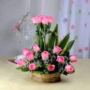 15 Fresh Pink Roses in Basket