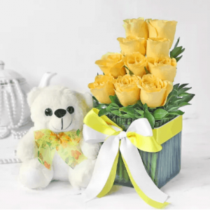 Bouquet of 10 Yellow Roses in Vase with Teddy